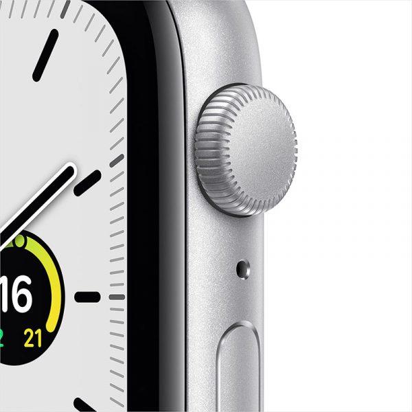 Часы Apple Watch SE 44 мм корпус из алюминия серебристого цвета, спортивный ремешок белого цвета-3